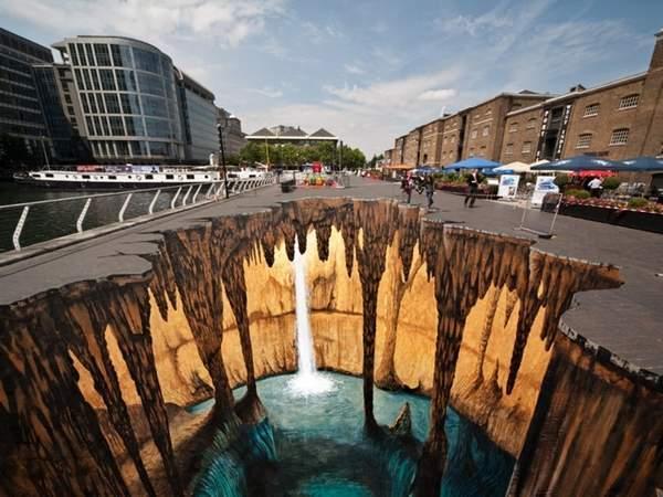 Another piece of chalk art by Edgar Mueller